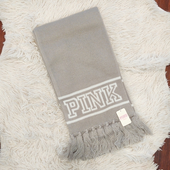 NWT PINK Victoria's Secret Gray and White Scarf